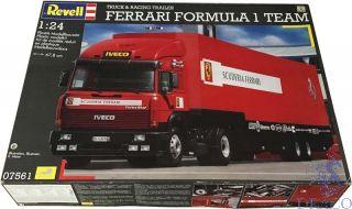 Ferrari Formula 1 Team Truck and Racing Trailer 1/24 [Revell]
