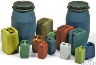 Vallejo Diorama Accessories 211: Assorted Modern Plastic Drums #2 (10 pcs.) 1/35